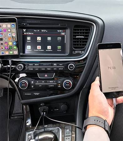 Kanex GoPower Sharable Car Charger - Ładowarka samochodowa 2 x USB, 2.4 A + HUB 2 x USB, 2.4 A, 2 m (Black)