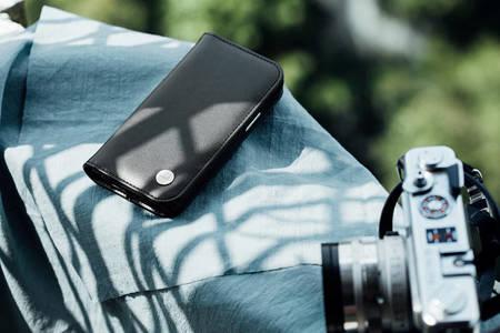 Moshi Overture - Etui 2w1 iPhone 12 Mini z kieszeniami na karty + stand up (system SnapTo) (Jet Black)